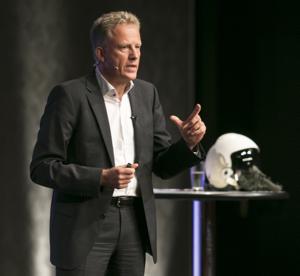 5 Star Keynote Speaker Holger Lietz